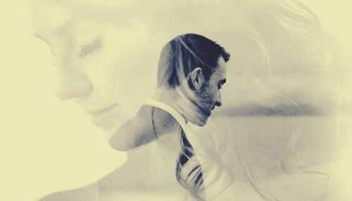 Immagini sovrapposte di un uomo e una donna in coppia