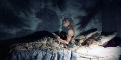 Paralisi del sonno: un'esperienza terrificante