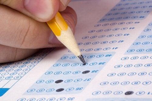 Esame a quiz e matita