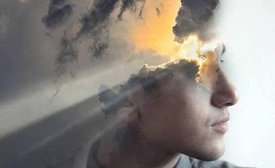 Uomo e nuvole