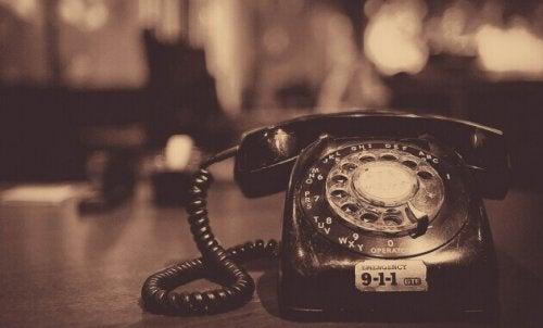 Un vecchio telefono