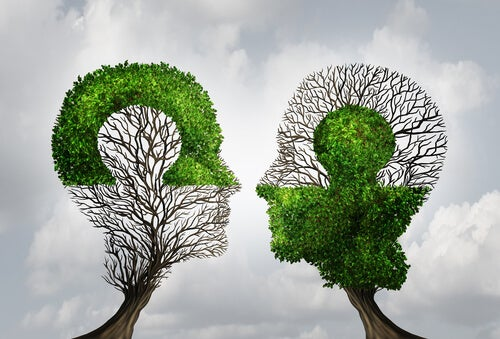 Coppia a forma di puzzle e albero