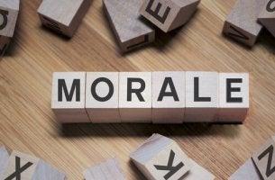 Dadi che formano la parola morale