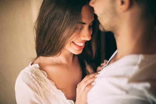 Donna che prova attrazione sessuale per il suo partner