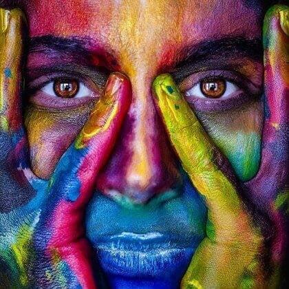 Donna di colori
