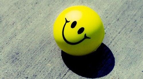 Pallina gialla che sorride