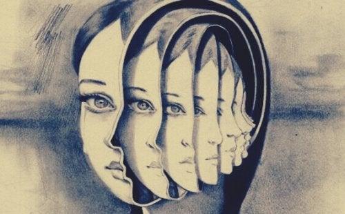 Testa di donna con all'interno altre teste come in una matrioska, simbolo della voce dell'ego