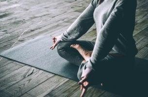 Qual è la relazione tra lo yoga e la depressione?