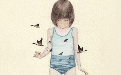 Bambina circondata da uccelli