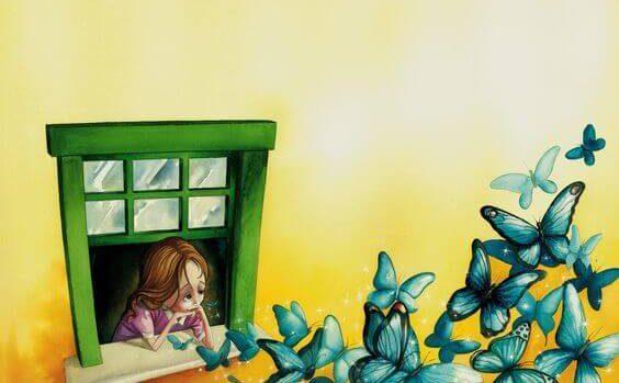 Bambina che guarda farfalle volare dalla finestra