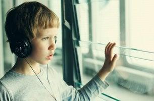 Bambino autistico l'autismo non è una disgrazia