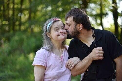 Donna con sindrome di down col compagno