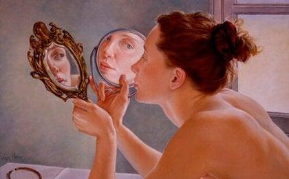 Donna con specchio