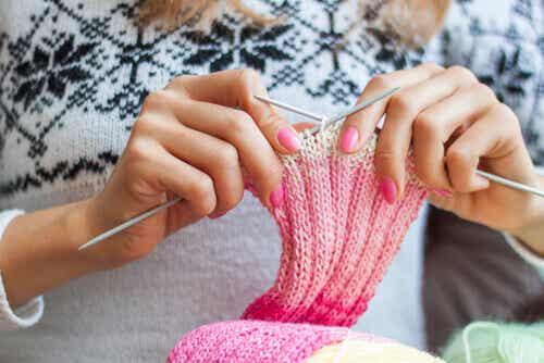 Lavorare a maglia: 5 benefici emotivi