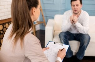 Psicologa con paziente