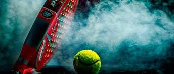 Racchetta e pallina da tennis