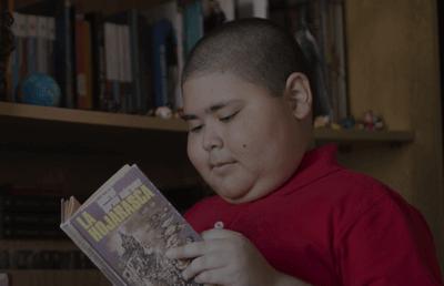 Rubén Darío che legge