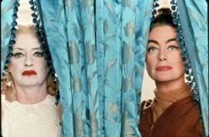 """Sorelle del film """"Che fine ha fatto Baby Jane?"""""""