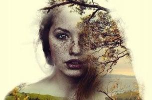 Volto di donna con sovrapposta la natura essere il nostro miglior alleato