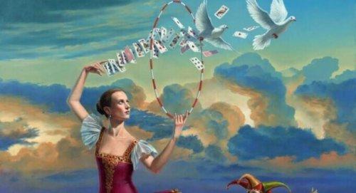 Ballerina che lancia carte e colombe in un cerchio