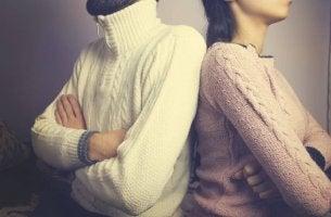 Atteggiamenti che distruggono le relazioni