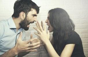 Coppia che litiga