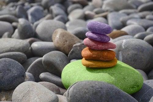 Torre di pietre in equilibrio, come rappresentazione della pace interiore