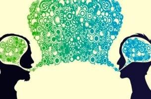 Persone che cercano di risolvere i conflitti