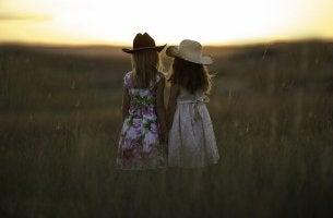 Bambine in campagna rapporti di amicizia