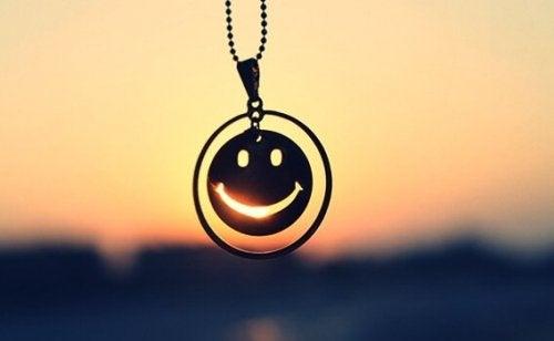 Ciondolo sorridente