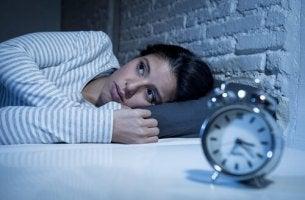 Donna con disturbi del ritmo circadiano