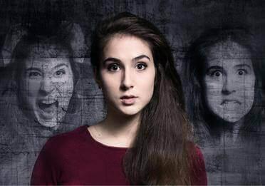 Donna con schizzofrenia