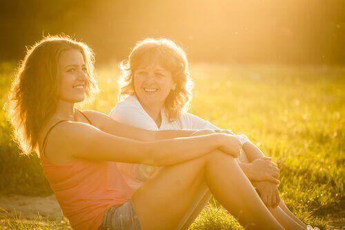 Madre e figlia felici