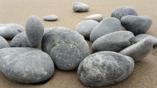Pietre nella sabbia