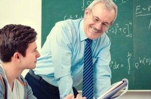 Professore con alunno