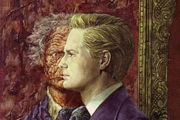 Uomo davanti a un ritratto