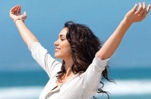 Donna felice fattori che incidono sul benessere