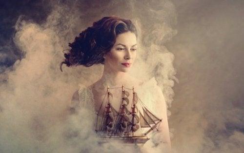 Donna con una nave