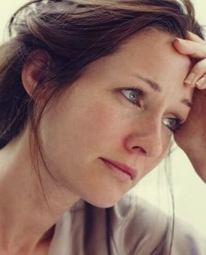 Una donna con apatia