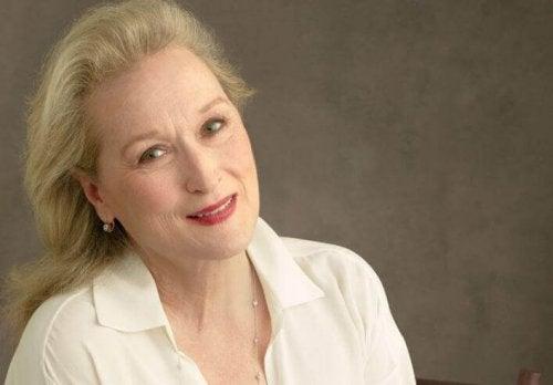 Meryl Streep con camicetta bianca