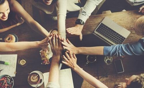 Norme di gruppo: come vengono definite?