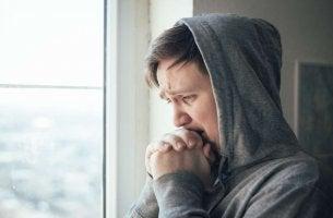 Ragazzo preoccupato morire di ansia