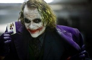 Jocker sorride il sociopatico