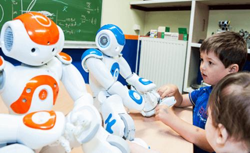 Bambini con robot