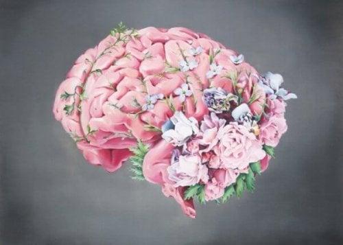 Cervello rosa con fiori