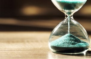 Clessidra psicologia del tempo