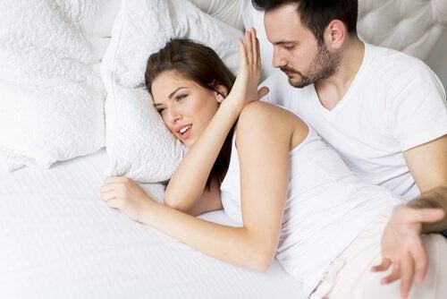 Coppia che discute per desiderio sessuale