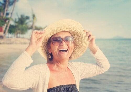 Donna di mezza età felice