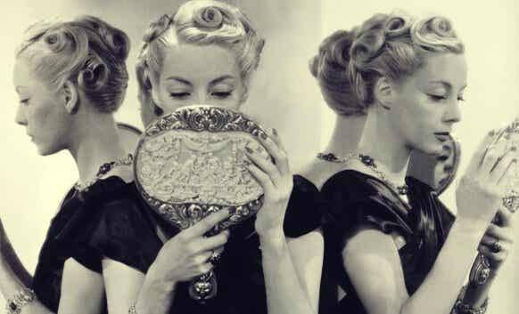 Narcisismo eccessivo: 5 possibili cause