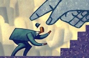 Bloccare o eliminare le persone: la fredda strategia per chiudere le relazioni
